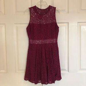 Lulu's maroon dress floral lace